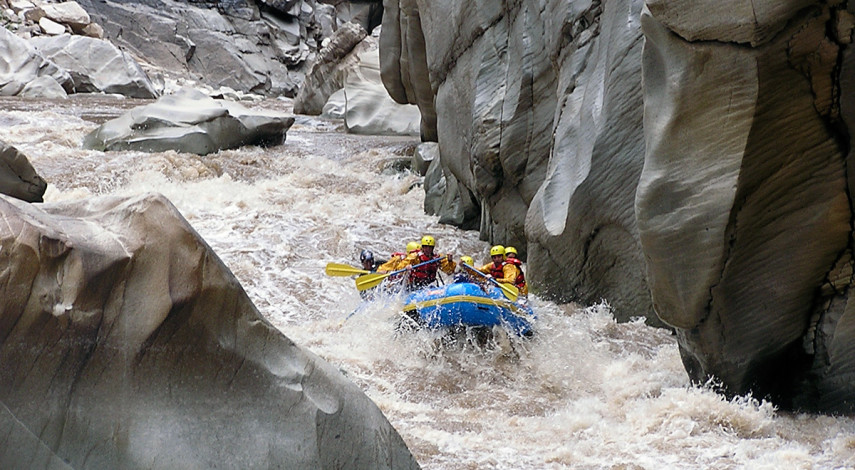 Cotahausi Rafting – All the technical whitewater you can handle!